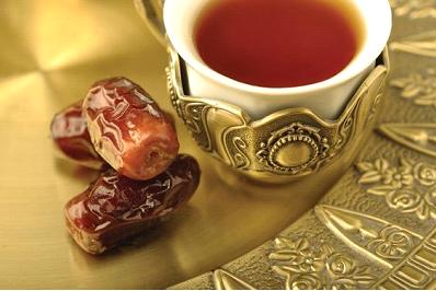 القهوة العربية بالتمر